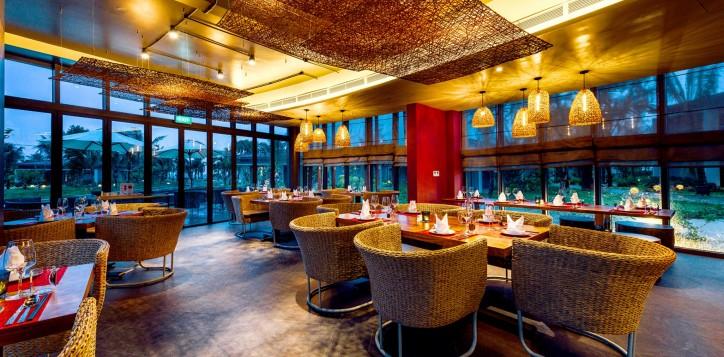 3-restaurantsandbars-phuquocseafoodrestaurant-2-2